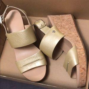 UGG Elena II Metallic Platform Wedge Sandal